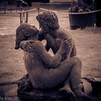 Lovers statue Gretna Green